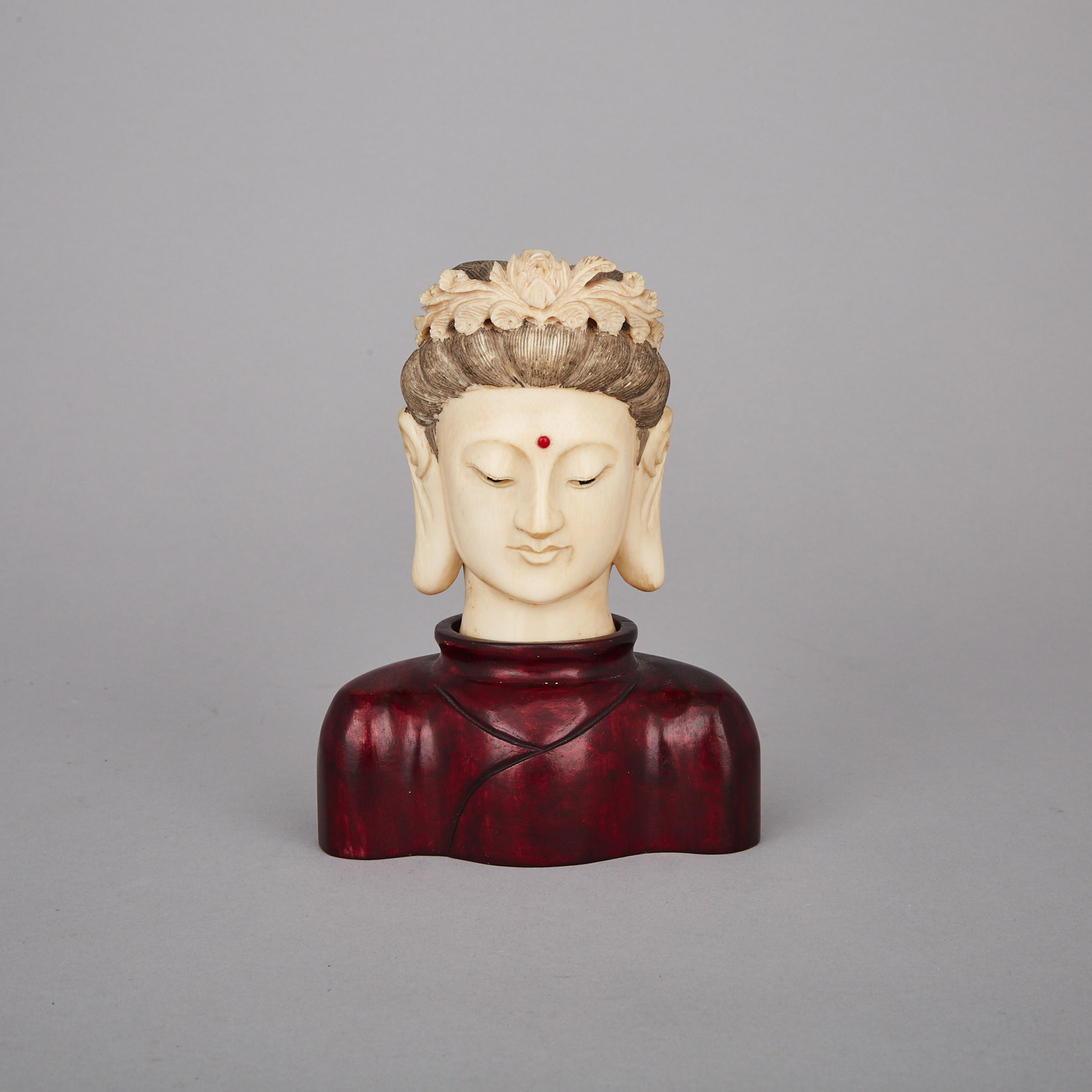 An Ivory Carved Head of Guanyin