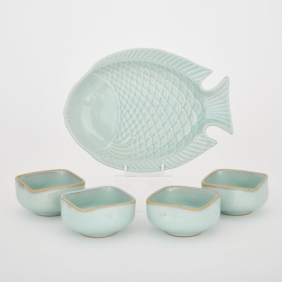 A Set of Four Tea Bowls Together with a Fish-Form Plate
