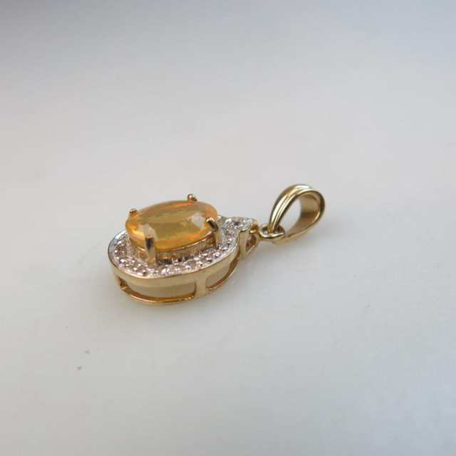 English 9k Yellow Gold Pendant