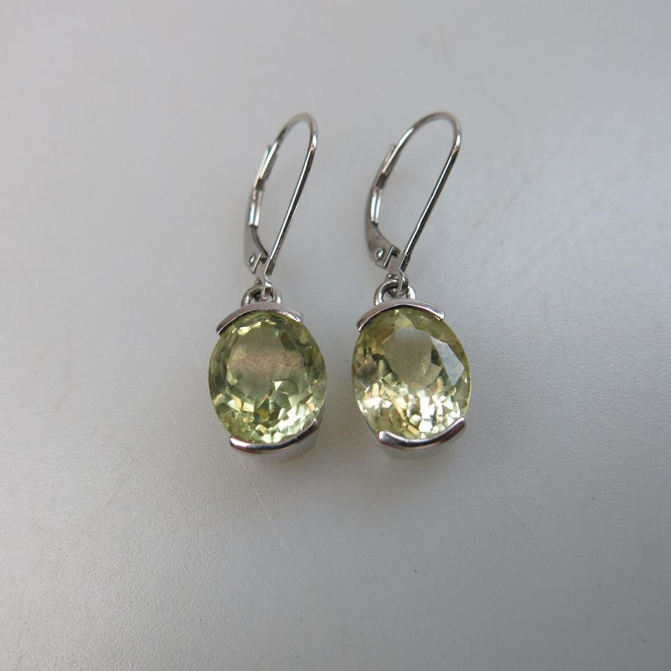 English 9k White Gold Earrings