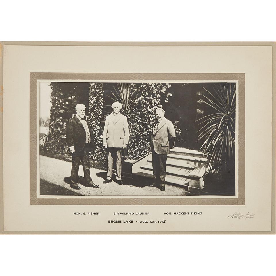 Photograph of Sir Wilfrid Laurier with Sydney Arthur Fisher and Mackenzie King at Brome Lake, August 12, 1912