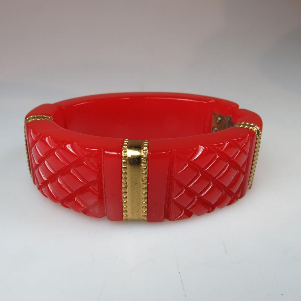 Red Bakelite Spring Hinged Bangle