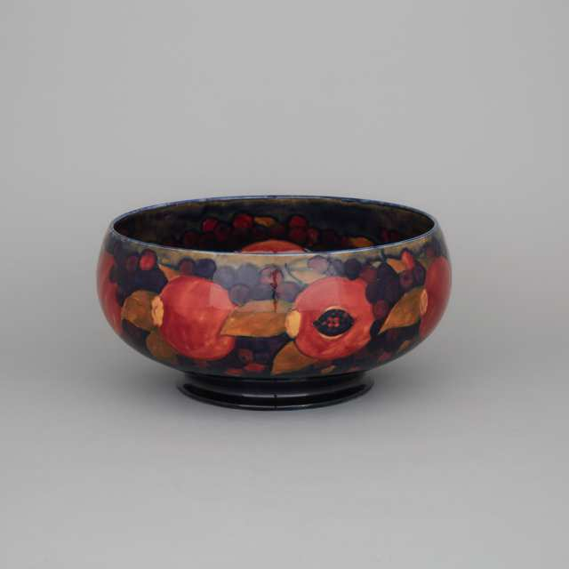 Moorcroft Pomegranate Large Bowl, for the Wembley Exhibition, dated 1924