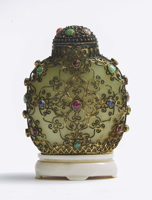 Know Your Snuff: A History of Chinese Snuff Bottles